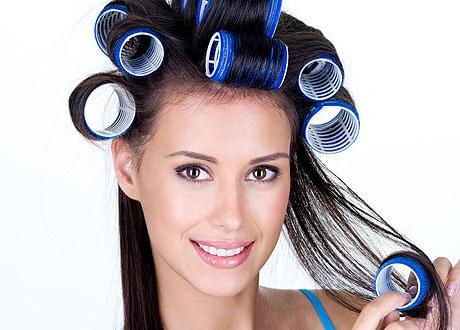 Укладка волос при помощи бигуди