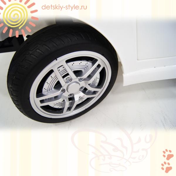 ehlektromobil-river-toys-audi-o009oo-besplatno-v-moskve-dostavka.jpg