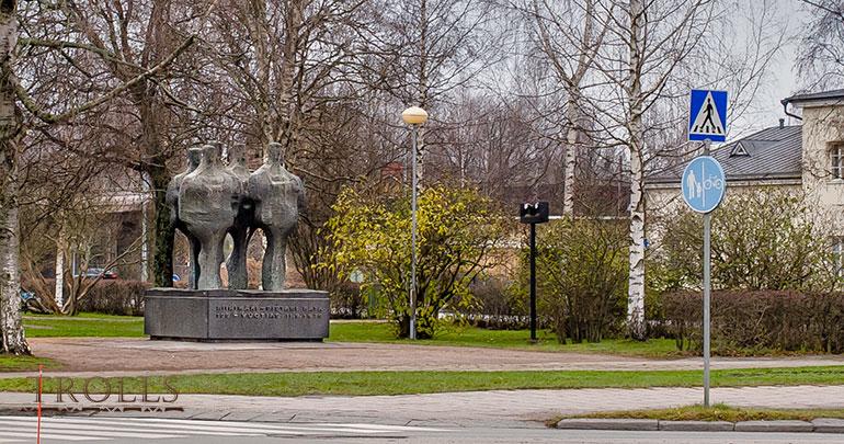 Памятник в честь железной дороги Санкт-Петербург - Риихимяки