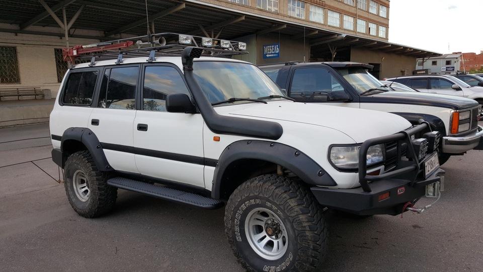 Toyota Land Cruiser 4.5L бензин, Черно-белый