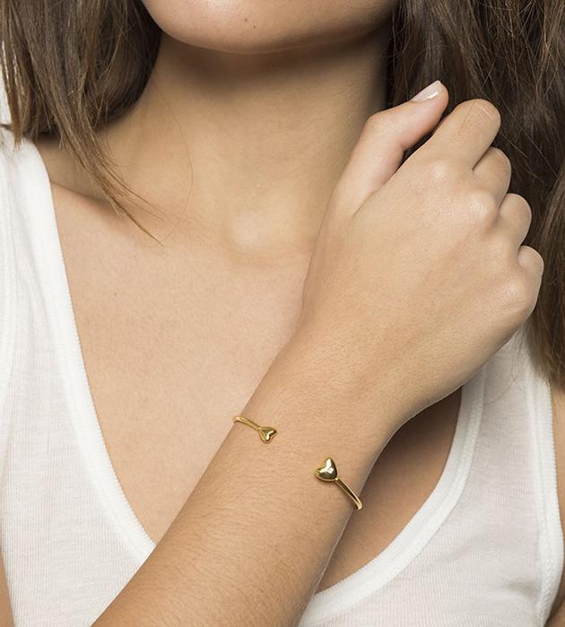 купите браслет золотого цвета с сердцами и цирконом от Apodemia