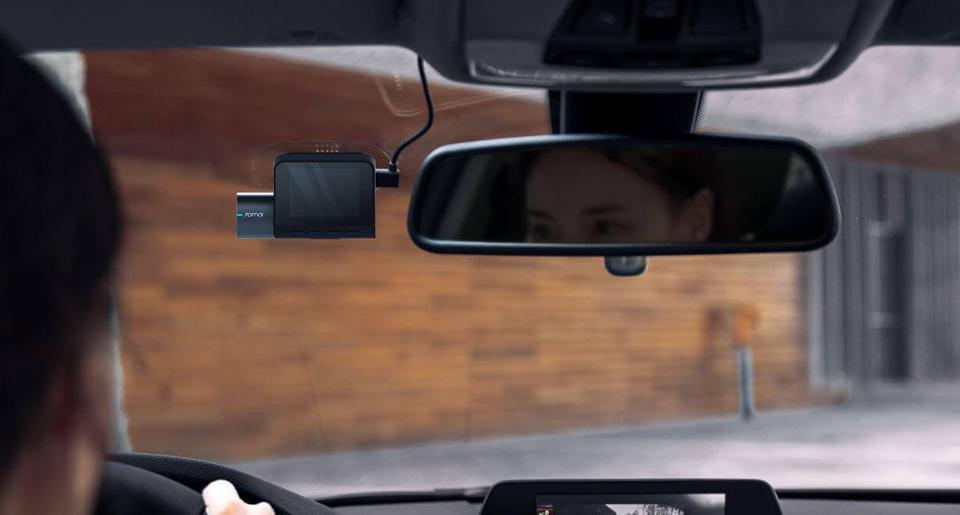 Видеорегистратор 70mai Dash Cam Pro в авто с зеркалом заднего вида