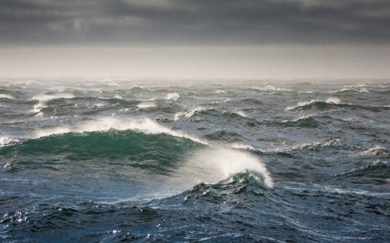 Ветер в океане