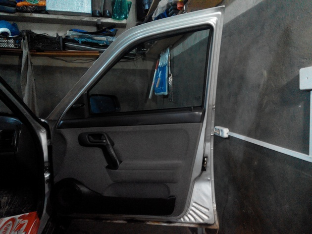 Установка стеклоподъемников ФОРВАРД в передние двери ВАЗ-21124. Рис. 7