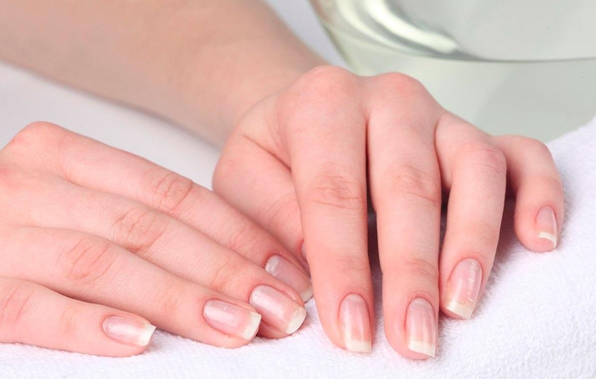 Причины расслоения ногтей и способы борьбы с проблемой