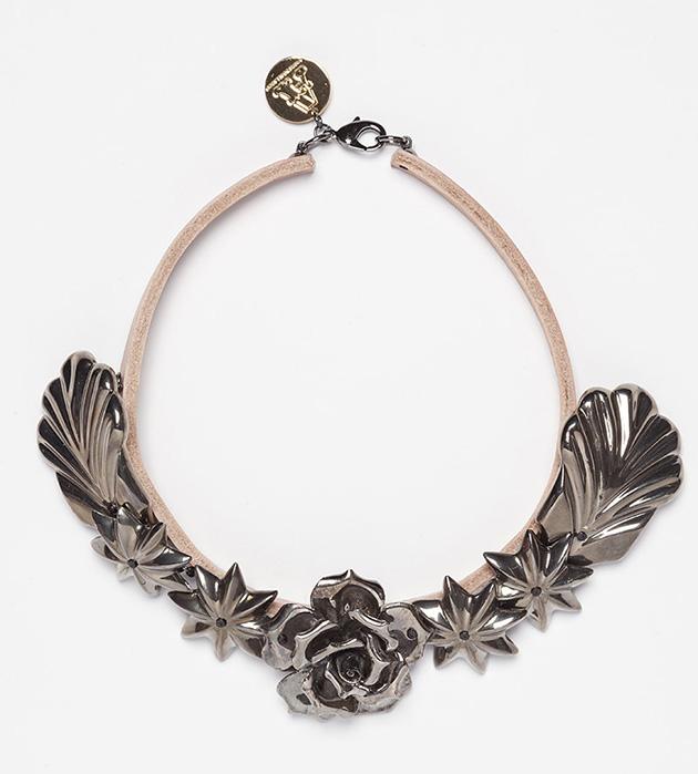 ожерелье из испанского фарфора Leather Escarcha Silver от ANDRES GALLARDO