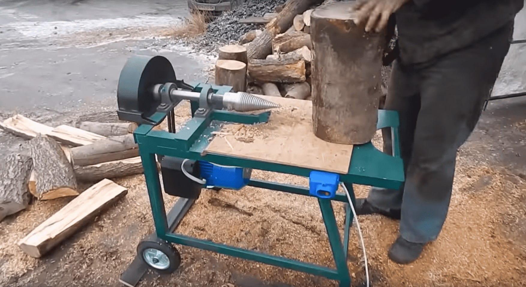 Дровокол винтовой на электродвигателе