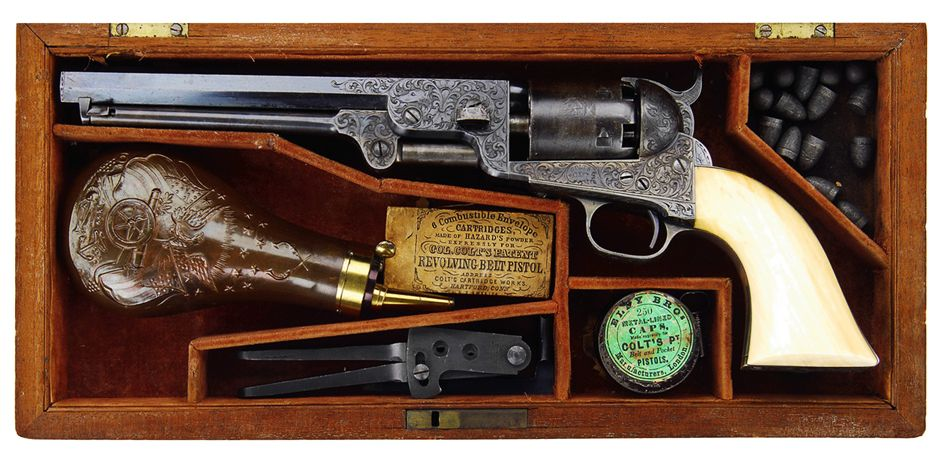 пистолет с перламутровой рукоятью