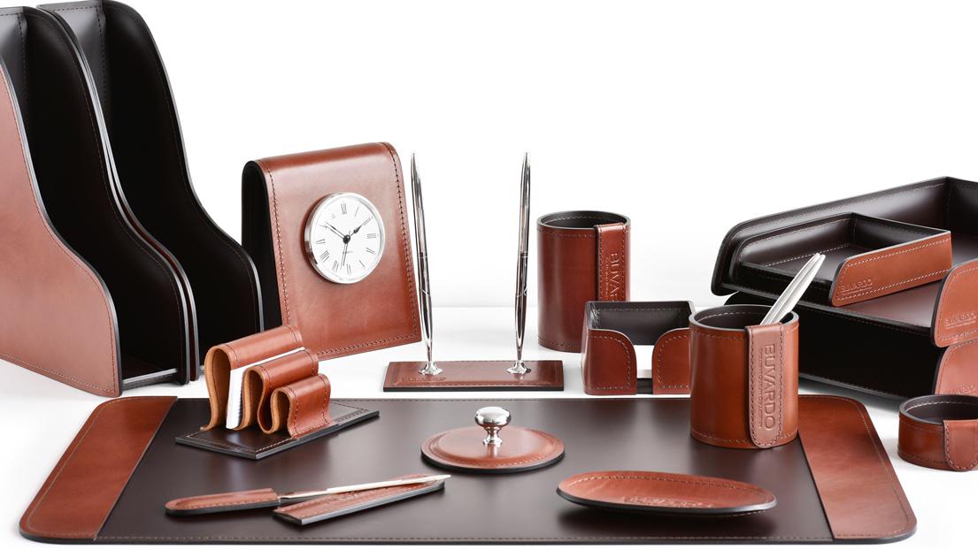 Раздел наборы на стол руководителя Премиум цвет Tan с шоколадом.