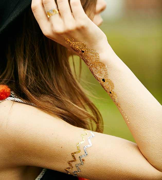 комплект серебристо-золотистых флэш-татуировок от Miami Tattoos - Hands