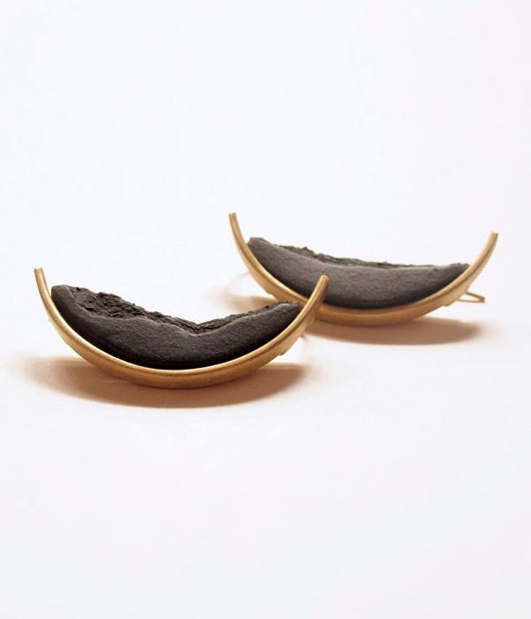 Серьги--CURVA-Grand-Black-от-бренда-DSNU1.jpg