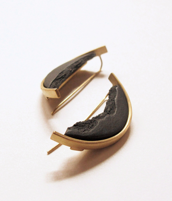 Серьги--CURVA-Grand-Black-от-бренда-DSNU2.jpg