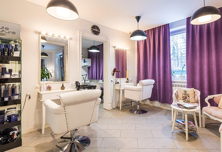 Планшет в салоне красоты позволит убрать онлайн-кассу вне поля зрения клиентов