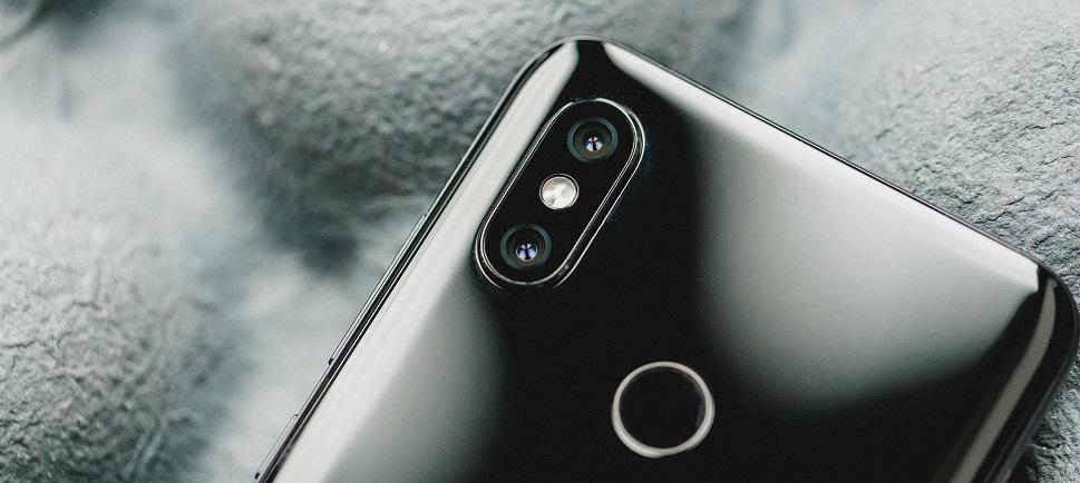 основная двойная камера обеспечивает создание великолепных фотоснимков