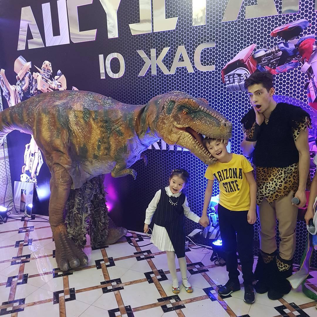 динозавр_Алматы_шоу.jpg