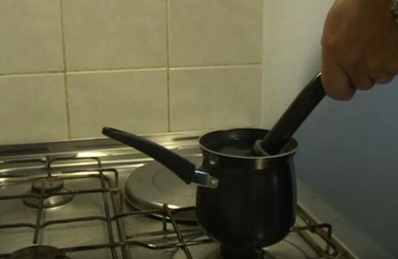 Как снять грипсу горячей водой