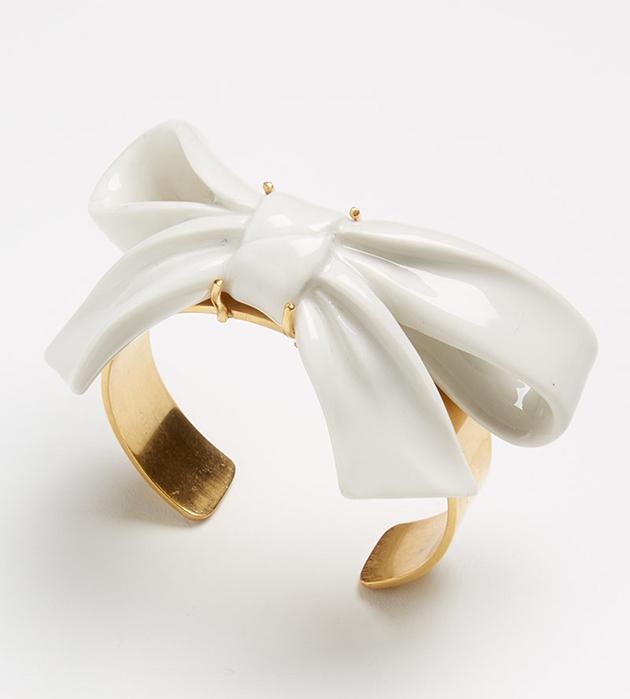 браслет в форме банта из испанского фарфора Bow White от ANDRES GALLARDO