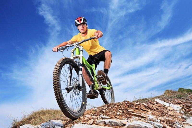 на горном велосипеде без защиты