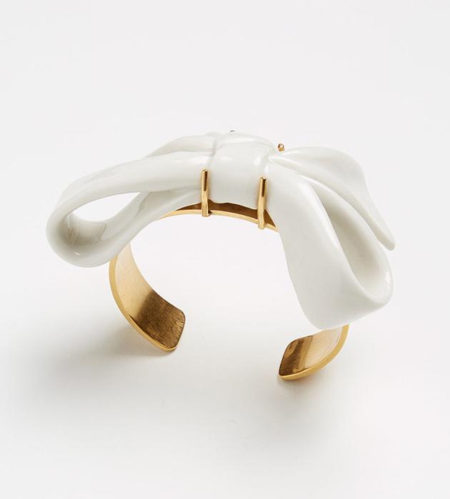 качественная бижутерия из фарфора Bow White bracelet от испанского бренда ANDRES GALLARDO