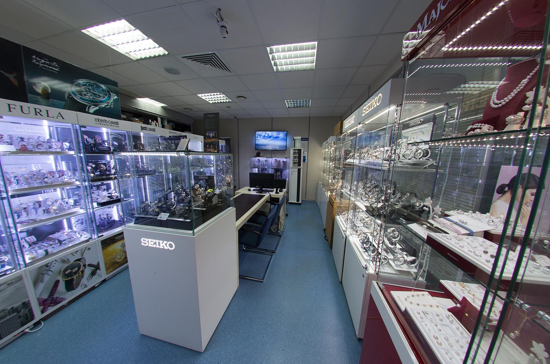 showroom-1.jpg