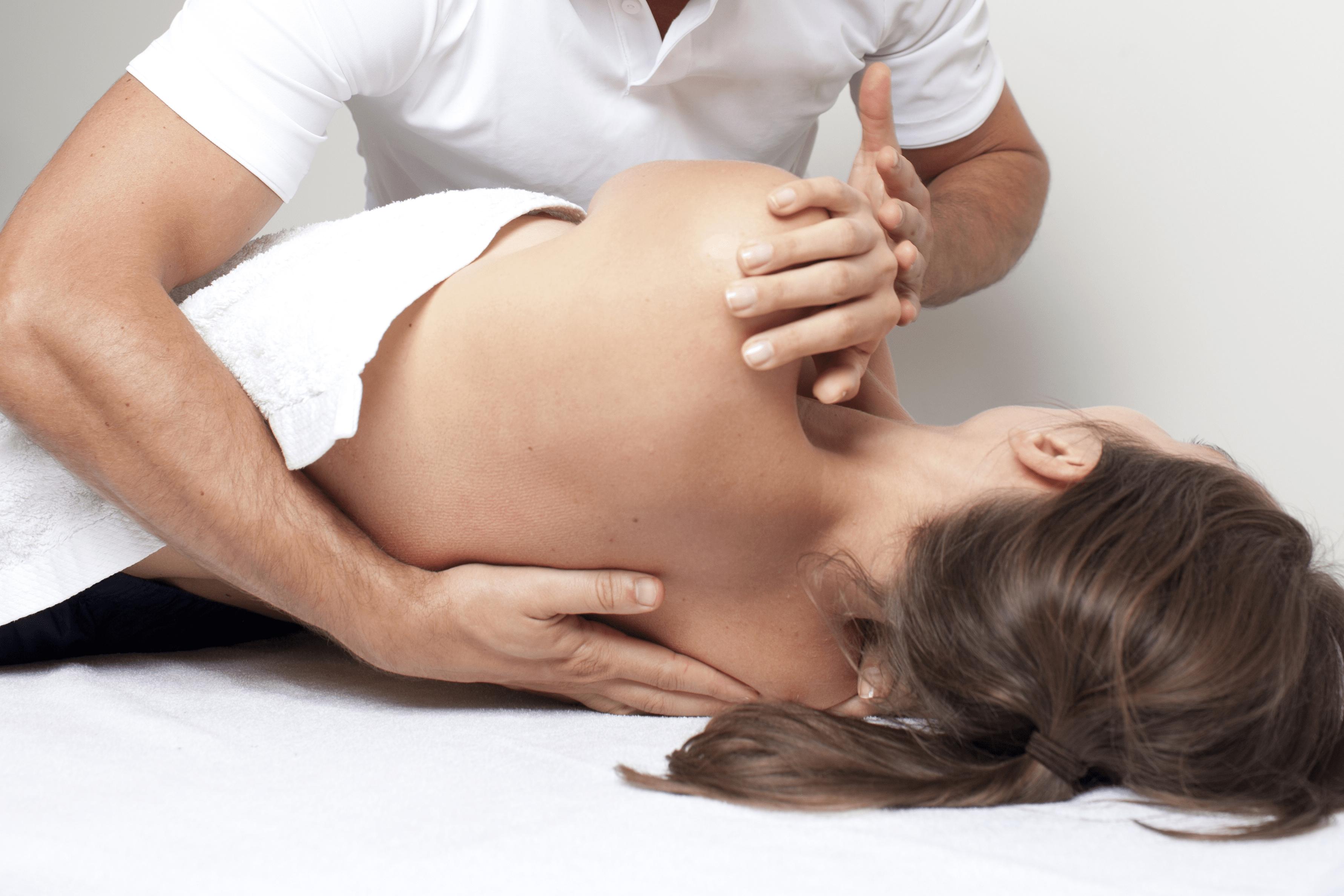 Все, что нужно знать о мануальной терапии
