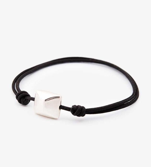 браслет-фенечка ручной работы Silver square bracelet с подвеской из серебра oт Helena Rohner