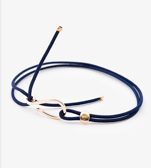 браслет Clasp Dark Blue c элементами из позолоченной латуни oт Helena Rohner