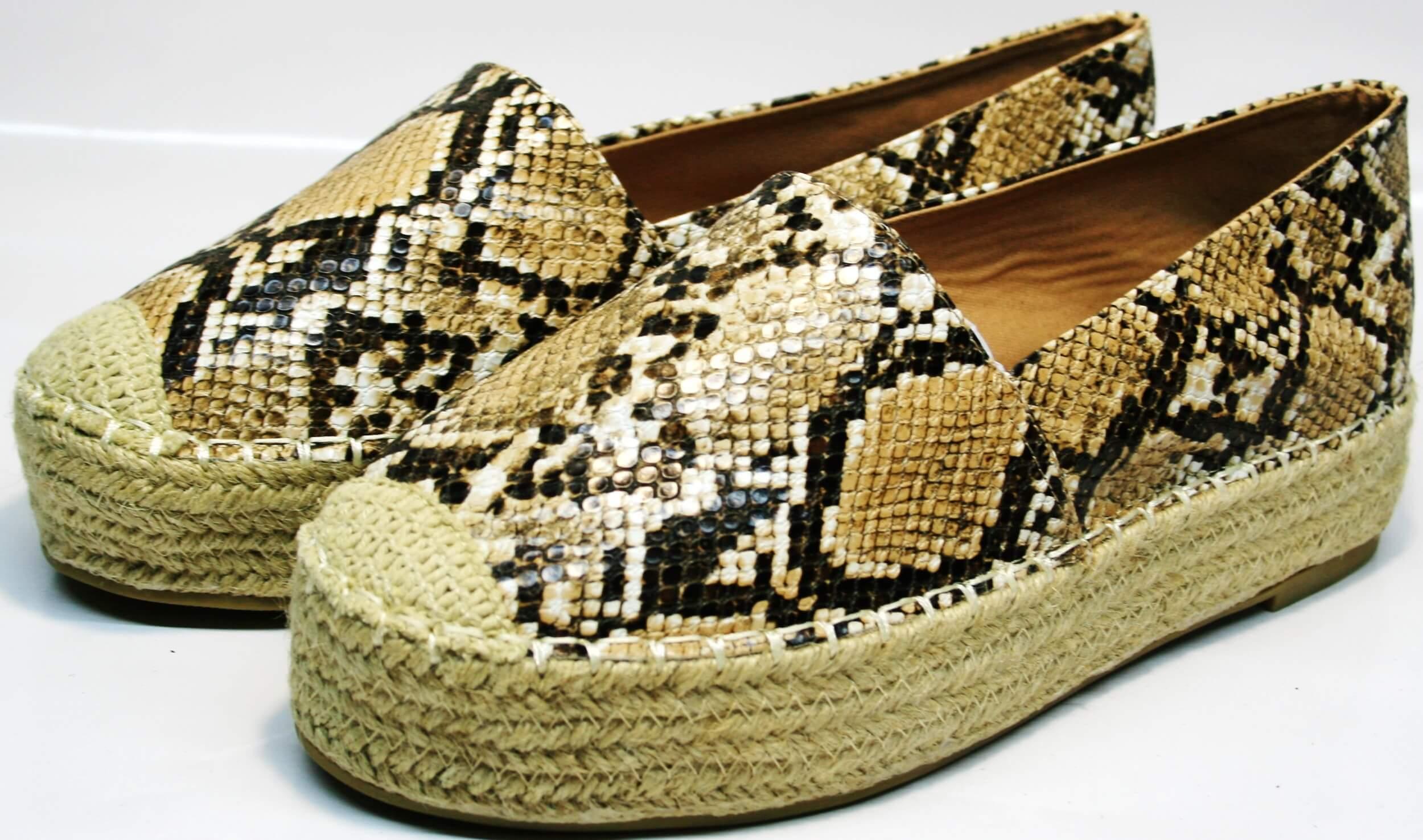 fdc1b139 Интернет магазин Grand предлагает: женские эспадрильи на толстой подошве  Lilyshoes Q38snake - закрытые летние туфли без каблука.