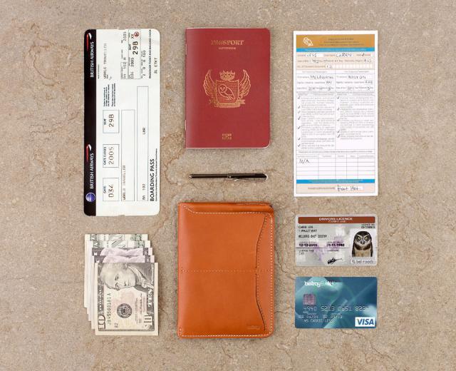bellroy_passport_sleeve_ru_bagandwallet.jpg