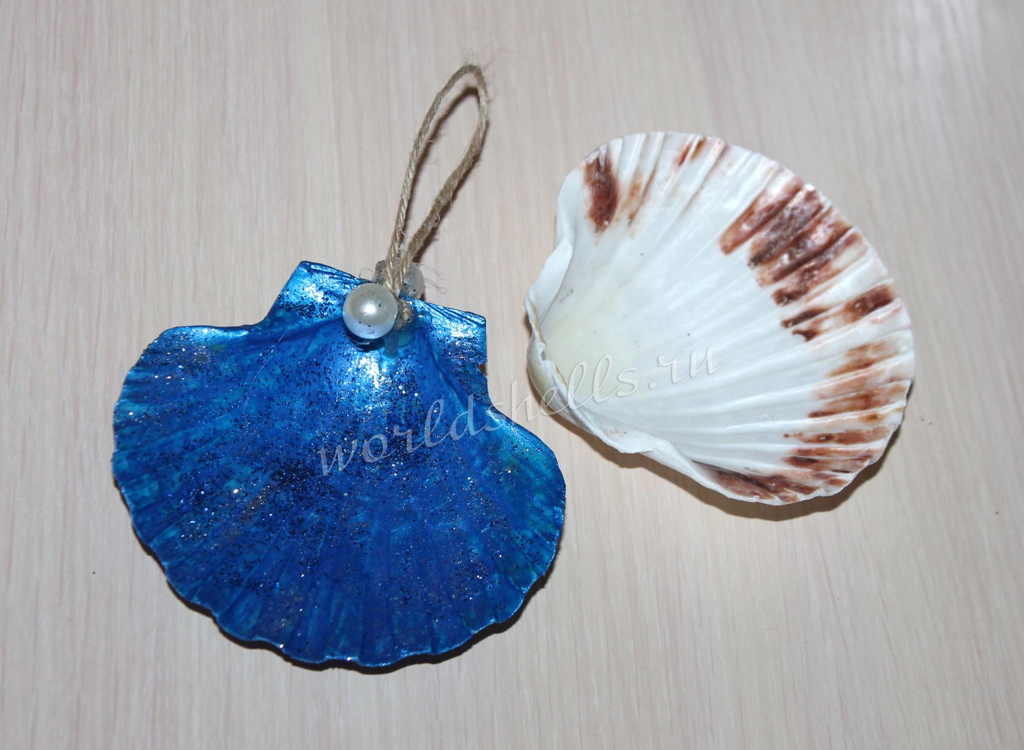 Новогодняя елочная игрушка из морской ракушки