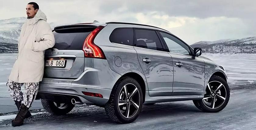 Автомобиль Volvo зимой