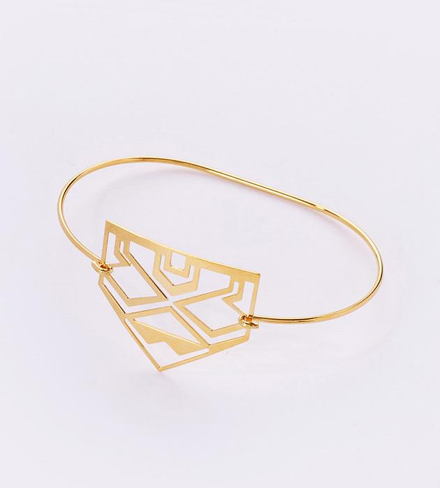 тонкий золотой браслет в этническом стиле от Chic Alors Paris