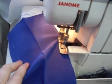 Пояс с открытым срезом на юбке