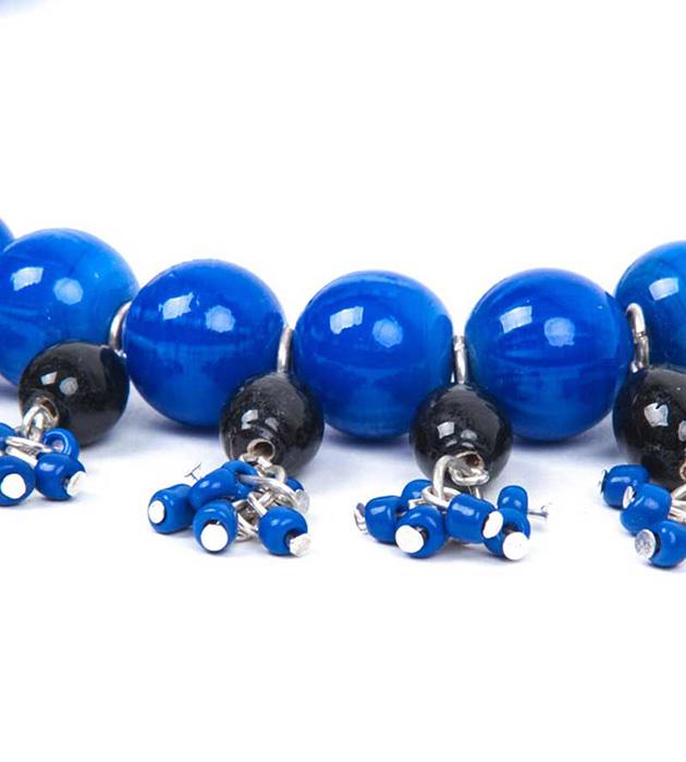 Сине-чёрное ожерелье El Cascanueces из керамических бусин от Papiroga