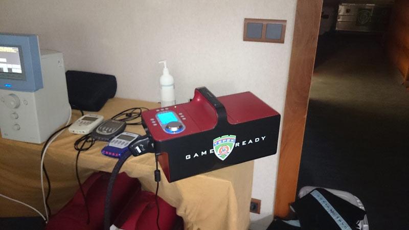 Система компрессионно-холодовой терапии Game Ready и электростимуляторы Compex в медкабинете клуба Терек