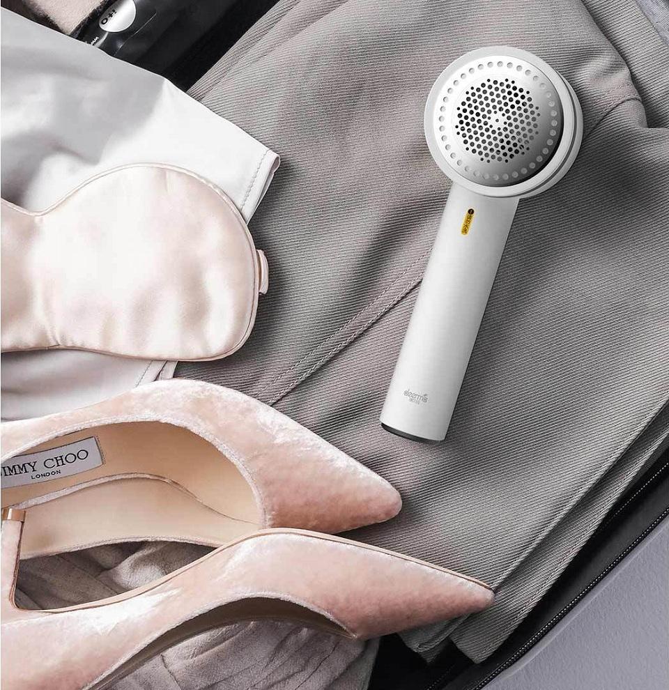 Машинка для удаления катышков Deerma в чемодане