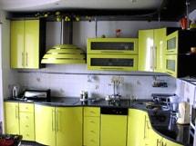 Кухни с гнутыми фасадами