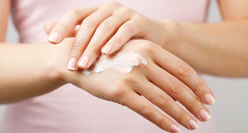 Молодость кожи рук: рекомендации и рецепты ванночек