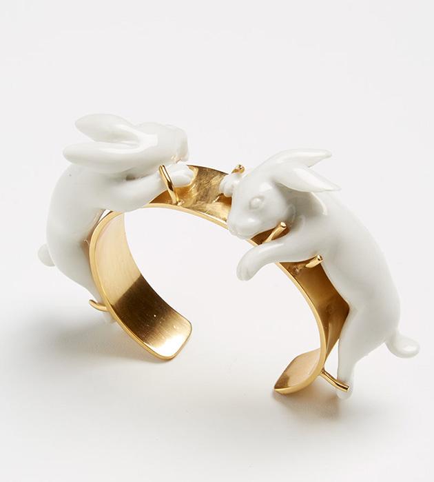 купите оригинальное украшение из позолоченной латуни от ANDRES GALLARDO - Rabbits Love bracelet