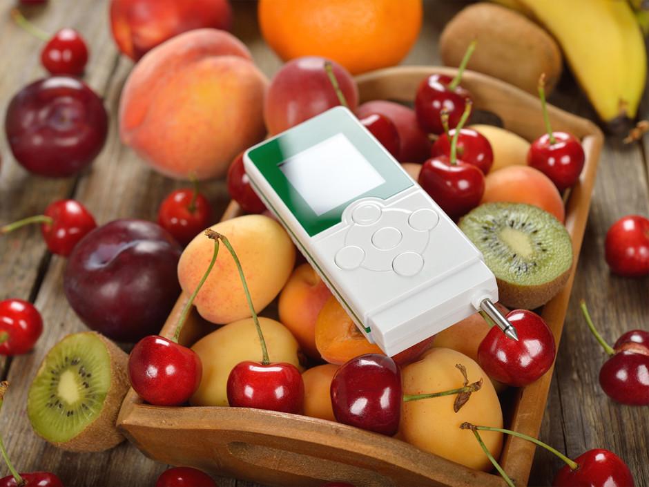 Какими веществами обрабатывают фрукты и овощи?