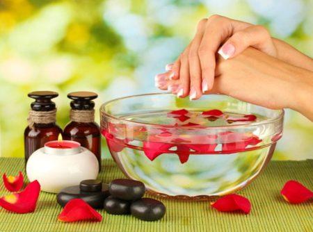 Народные рецепты по уходу за женскими руками