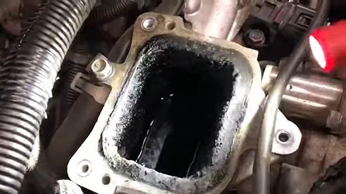 Грязный дизельный мотор