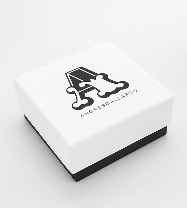 изящное двухцветное колье ручной работы Single Little Bow White от испанского бренда ANDRES GALLARDO