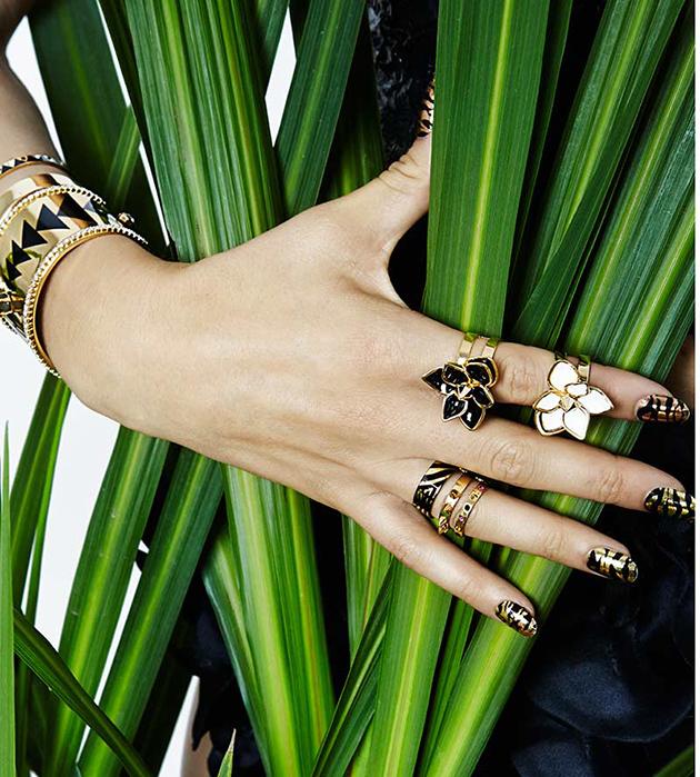 изящное кольцо-цветок на фалангу от Maria Francesca Pepe