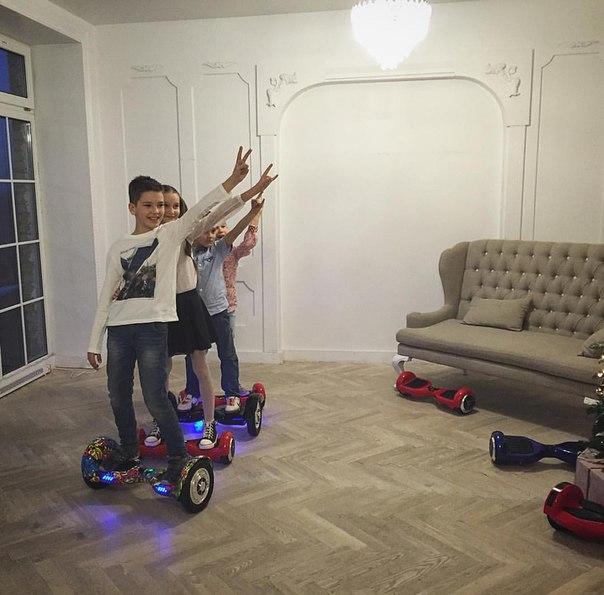 Гироскутер - отличный подарок для детей и взрослых.