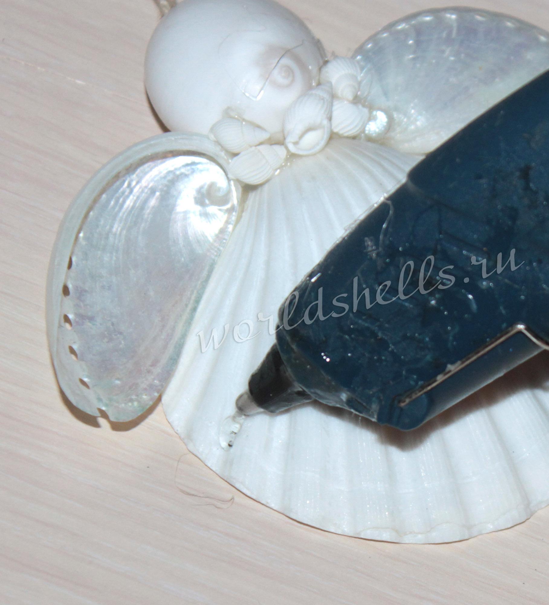 мелкие ракушки для поделок клеим термоклеевым пестолетом