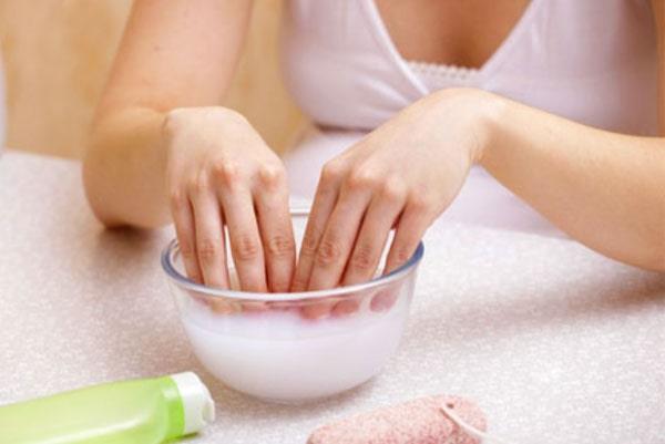 Рецепты ванночек для проблемной кожи рук