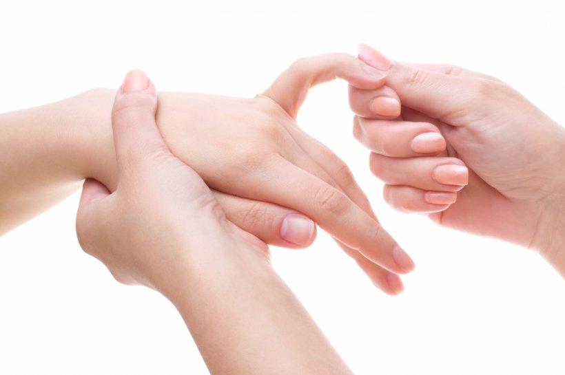 Сухость рук: причины и домашние рецепты