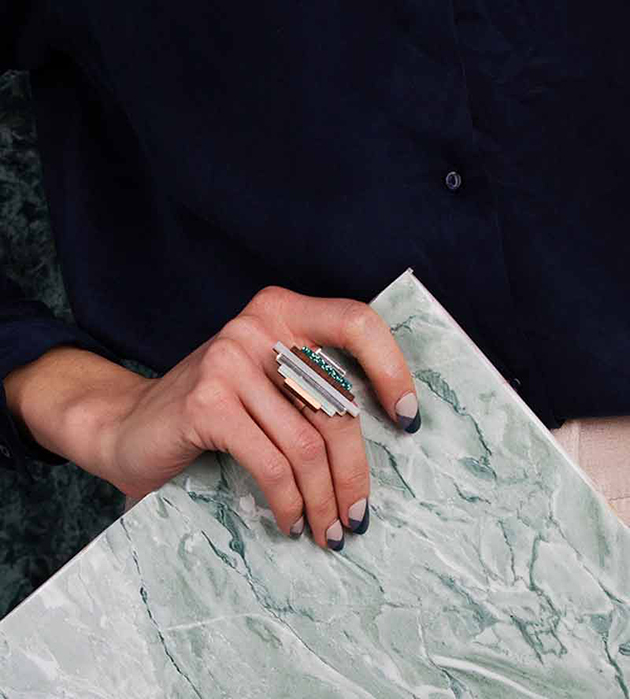 коктейльное кольцо из дерева и плексигласa от Wolf&Moon - Ripple Lavender Blue