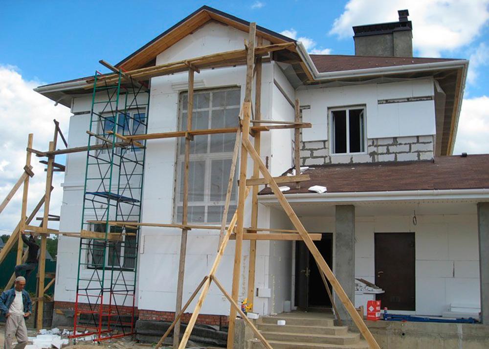 Дом из газобетона, отделка окон пенопласт.